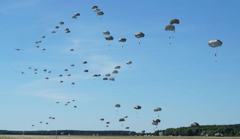 К 100-летию Ханы Сенеш. 150 десантников ЦАХАЛа воссоздадут в Европе прыжок партизан Второй мировой