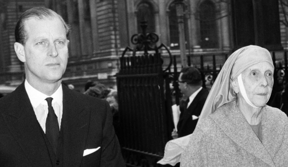 Семья принца Филипа: мать прятала евреев, сестры вышли за нацистов