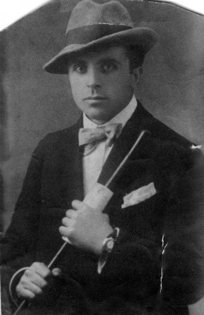 Авигдор Меири в 20-х.jpg