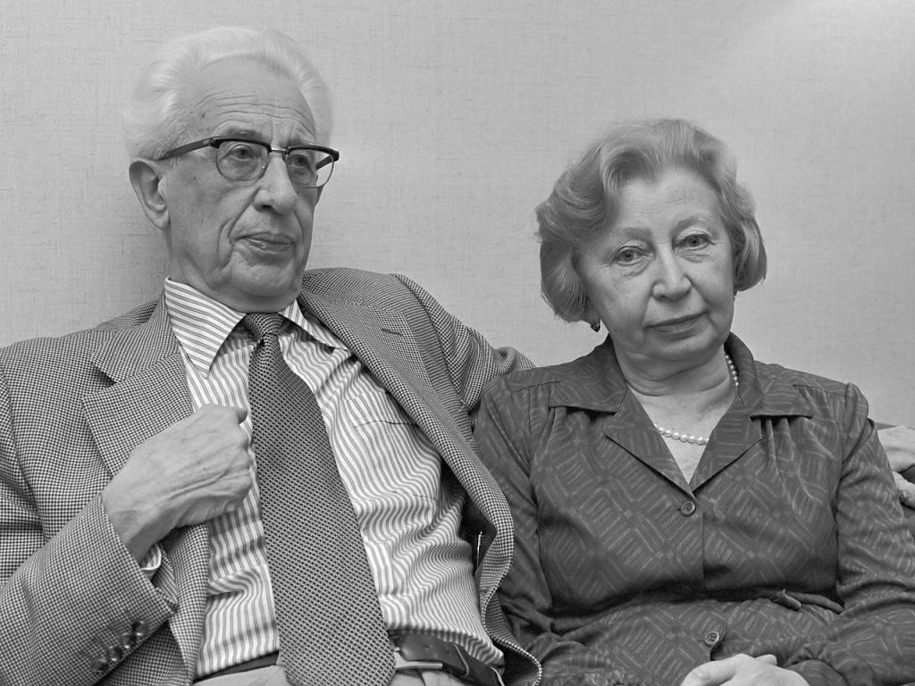 Miep_Gies_en_echtgenoot_(1980).jpg