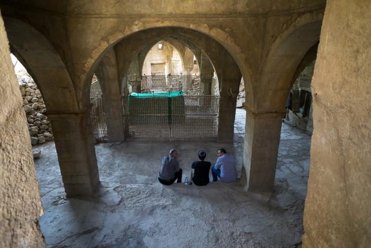 Jews of Kurdistan_htm_215b7bbef6aeefbe.jpg