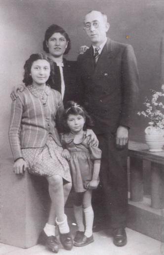 Familie Kokotek, Paris 1942.jpg