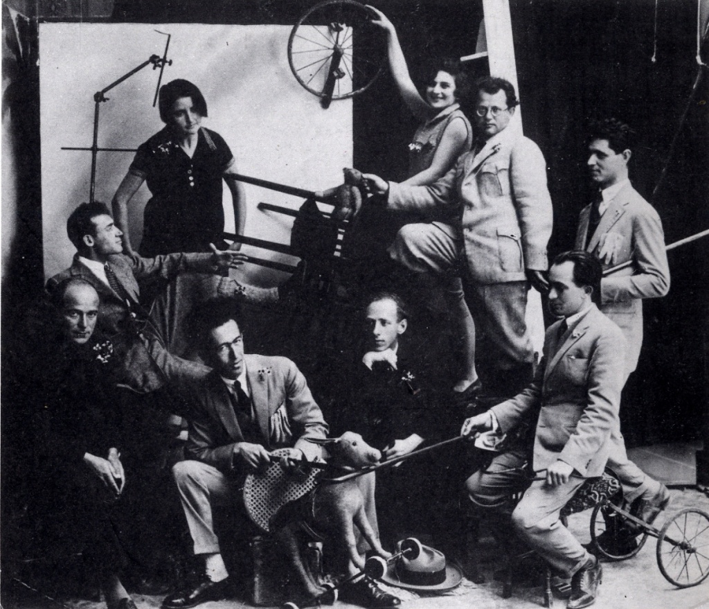Modern artists. photo by Avraham Soskin. 1925. left to right Yosef Zaritsky, Arie Lubin, Yona Zeliuk, Reuven rubin, Ziona Tagger, Pinchas Liyvionwsky, Izhak Katz, Baruch Agadati..jpg