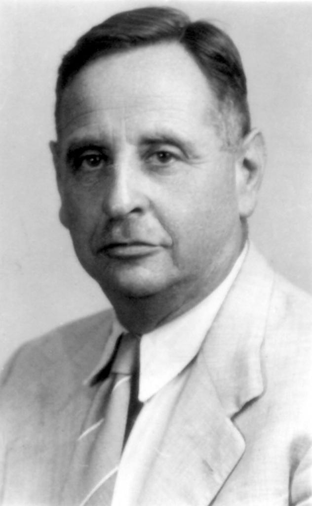 Dr._Avraham_Weinshall_1940s.jpg