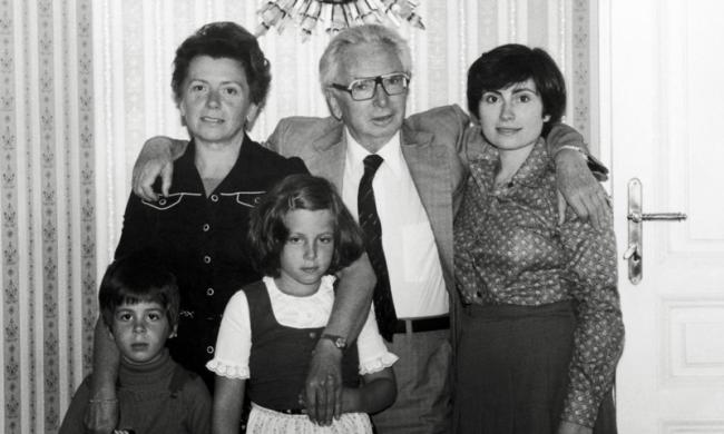 Франкл со всей семьей 1978.png