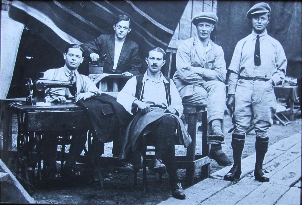 Еврейские солдаты-портные из 38-го батальона Королевских фузилеров.JPG