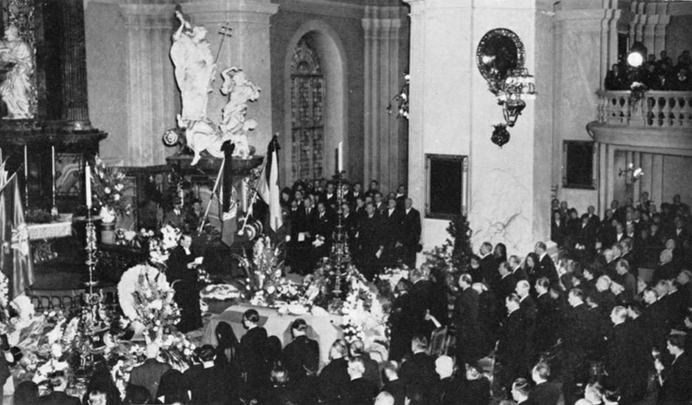 Отпевание-в-соборе-Густав-Ваза-26-сентября-1948-г.jpeg