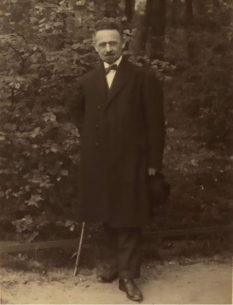 SBenZion 1920-е.jpg