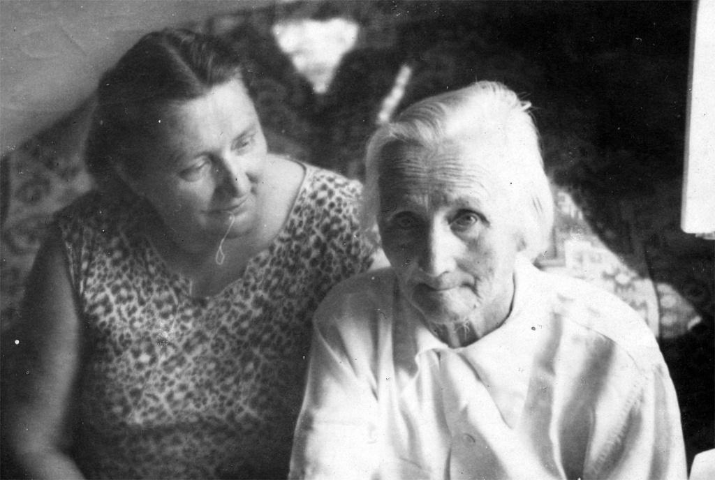 Мать и дочь.JPG