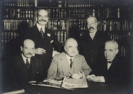 Пять братьев Варбургов.png