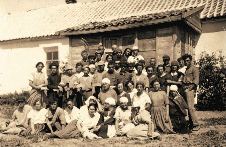 Члены коммуны Тель-Хай 1920-е. Институт еврейских исследований, Нью-Йорк.jpg