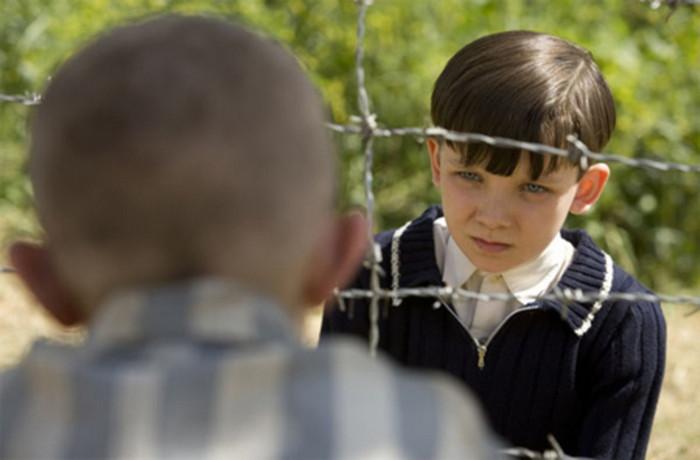Мальчик в полосатой пижаме.jpg